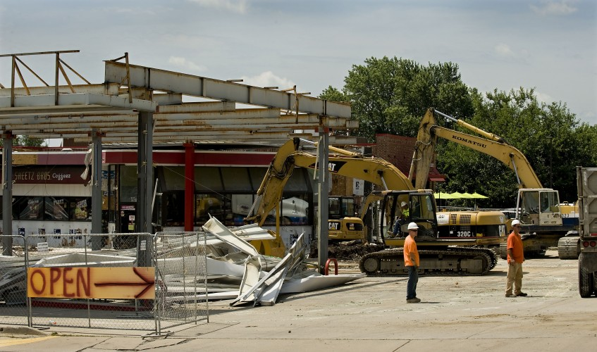 Demolition continues on the old Sheetz store at Interstate 81 and Fairfax Pike in Stephens City. The new store is open and is located behind the Sheetz that is being demolished. Rich Cooley/Daily